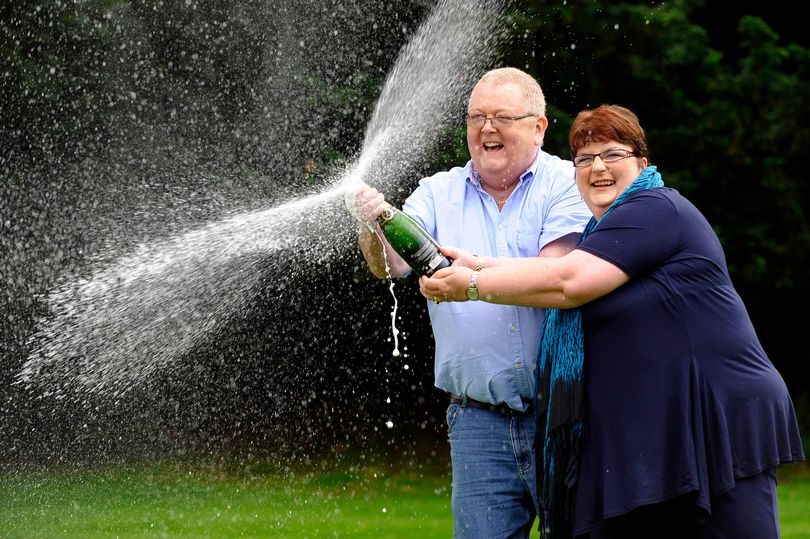 Photo of How a EuroMillions Winner blew £40m of his Lotto fortune before his death