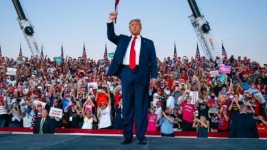 Photo of 'I'll kiss Everyone in that Audience' – Donald Trump tells thousands at Florida Rally (Watch Video)